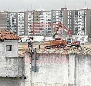 Demolición Cuarteles del Paseo de Extremadura